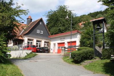 Altes Schulhaus und Feuerwehr in Stettbach